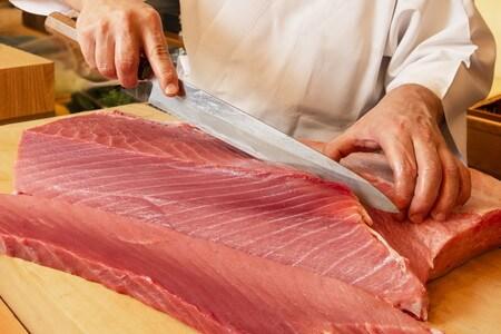 sliced-raw-tuna-image-1
